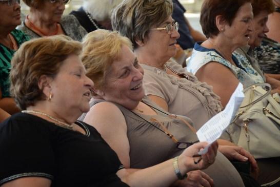 Amici degli Anziani_ vacanza alla Grotta del Saraceno_23_08_2015.007