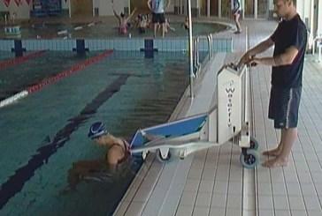 Un elevatore per la piscina comunale