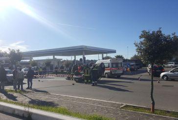 Auto si ribalta sulla Circonvallazione Istoniense, un ferito