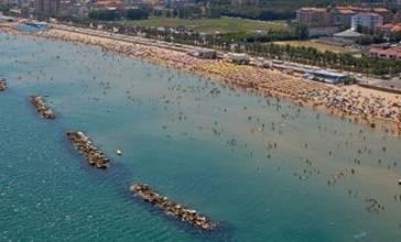 Vacanze sicure con i bagnini sulle spiagge libere