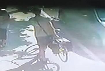 I ladri gli rubano la bici, taglia di 500 euro