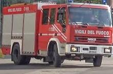Incendio al capannone della Protezione Civile della Valtrigno di San Salvo