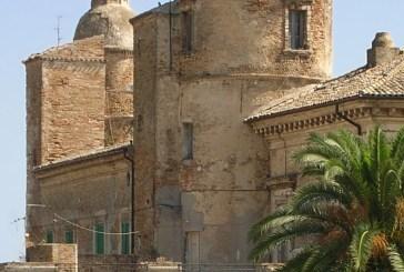 Vasto, il Palazzo Caldora tra degrado e efflorescenze