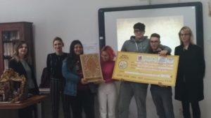 """Al """"Palizzi"""" di Vasto la cerimonia di consegna del primo premio per il presepe artistico"""