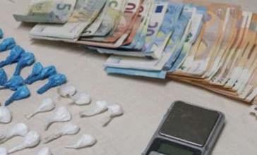 Scambiano Carabinieri per clienti, gli offrono la cocaina. Arrestati coniugi campani