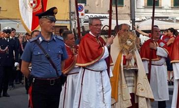 In migliaia alla processione del Corpus Domini