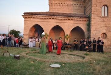 Il coro polifonico Stella Maris nel giorno del solstizio d'estate