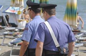 Tenta di rubare tra gli ombrelloni, arrestata