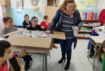 """La scuola primaria """"G. Spataro"""" di Vasto è Plastic Free. Arrivano 400 borracce"""