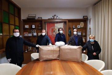 Vasto, imprenditori consegnano 2.900 mascherine al sindaco Menna