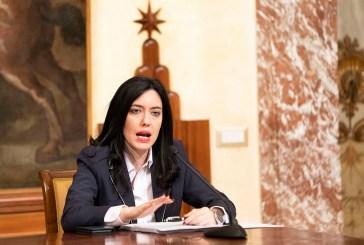 Esami e ripresa della scuola a settembre, incontro tra la Ministra Azzolina e i sindacati