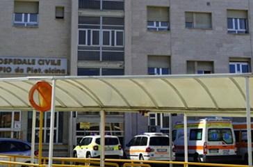 Contagi in salita, l'ospedale è ancora pieno