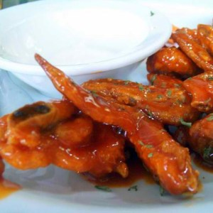 afriques-spicy-buffalo-chicken-wings