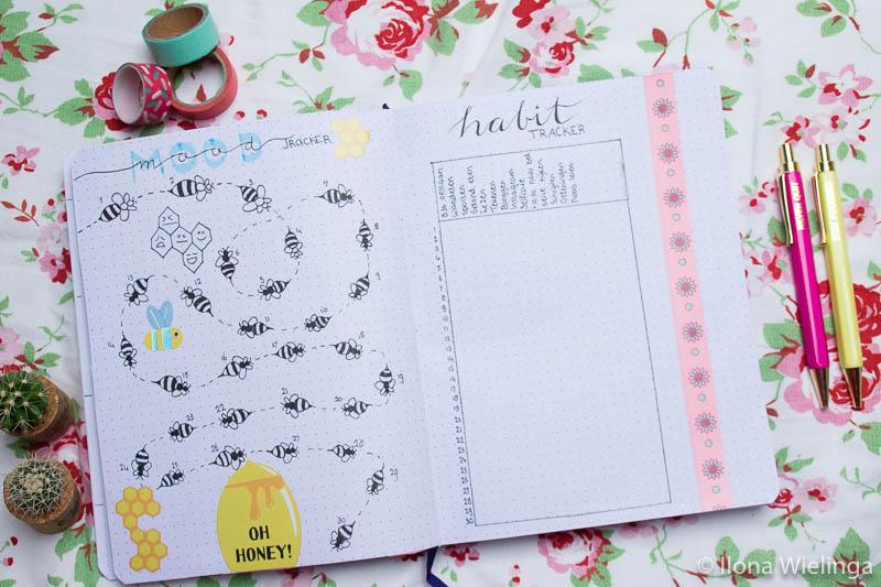 bullet journal inspiratie April moodtracker habit tracker