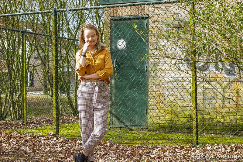 outfit 9 paperbagbroek H&M okergele blouse Primark