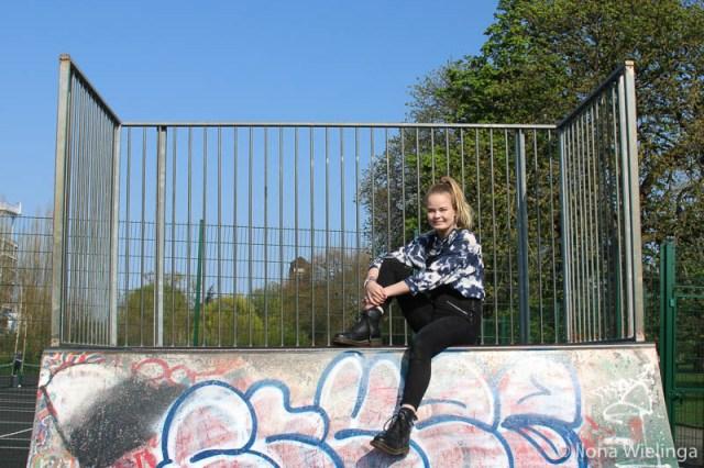 Outfit 5 skatepark Tuinbroek H&M primark Blouse vintage