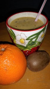 Kiivi-banaani-apelsini jook