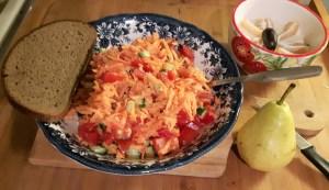 Bataadi-tomati-paprika-kurgisalat