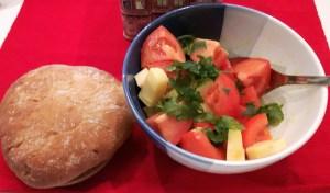 Tomatisalat gouda juustuga