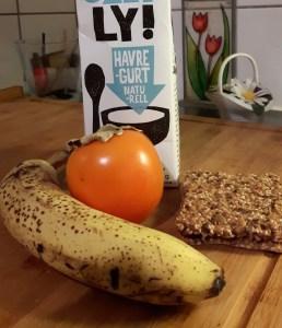 Banaani-hurmaajogurt