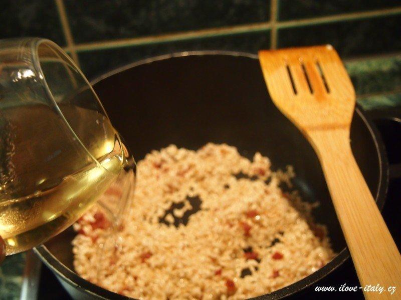 risotto s prosciuttem a víno