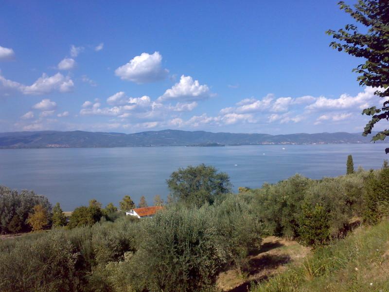 jezero trasimeno italské