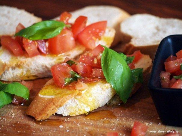 italská bruschetta s olivovým olejem
