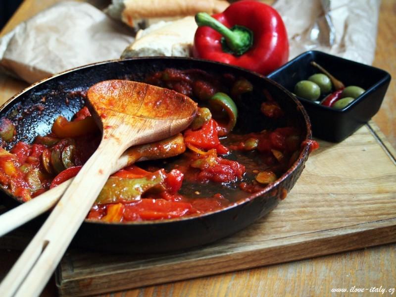 italská rajčata a paprika