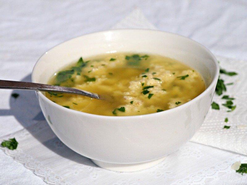 italská polévka stracciatella
