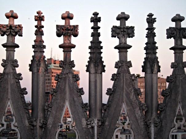 vršek milánského dómu