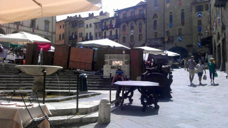 burza ve městě Arezzo