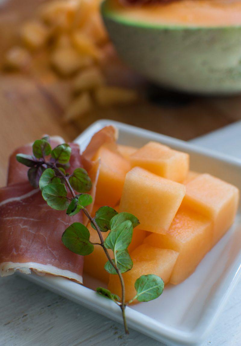 meloun cantaloupe a italské prosciutto