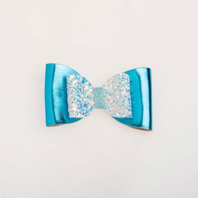 Tσιμπιδάκι κλιπ, γκλίτερ άσπρο-γαλάζιο, δερματίνη γαλάζια