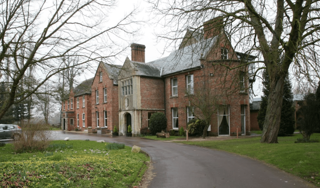 The front view of the Hatherley Manor Hotel & Spa in Gloucester