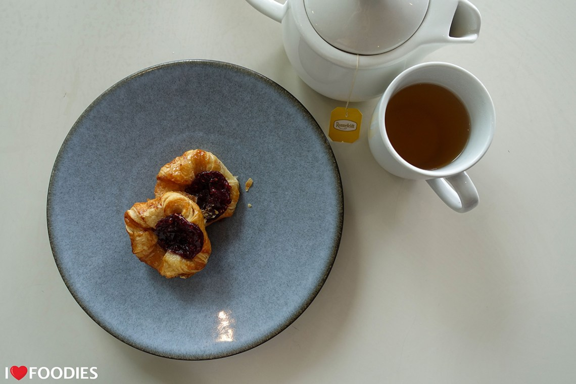 Jam pastries and Ronnefeldt Lemon Sky tea