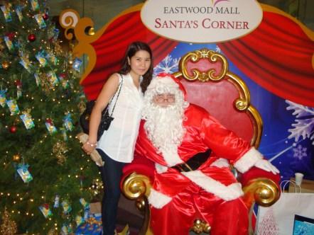 Santa please grant my Christmas wishes.