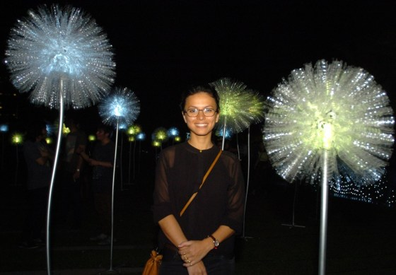 For their holiday launch, SM Aura Premiere partnered with famed French-Filipina textile artist Olivia d'Aboville, as the mall held a light show showcasing the artist's art installation called Giant Dandelions.