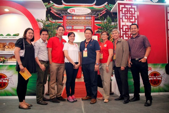 (From left) URC Flour HR manager Evelyn Eglesias, Supply Chain manager Jasper Munji, Technical Services group manager Manny Lasala, Executive Assistant Maan Francisco, BUGM VP Ellison Dean Lee, Marketing manager Chinkee Andres, Technology manager Nic Ines and Manufacturing director Gerry Magadia.