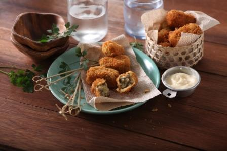 MONGGO CROQUETTES WITH AIOLI