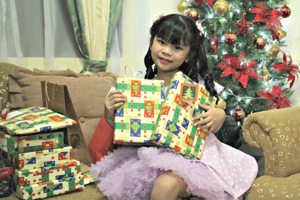 keisha-with-gifts