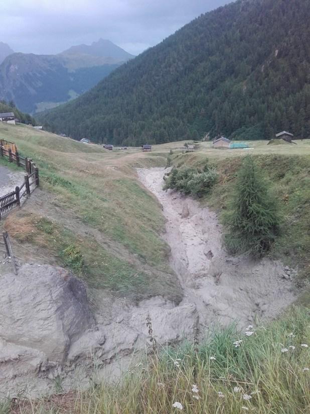 Livigno val federia strada interrotta (2)