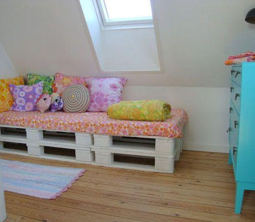 10 ideas imprescindibles con palets para ni os i love palets for Muebles para preescolar