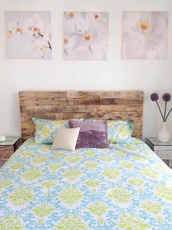 la elegancia de un cabecero de palets para la cama