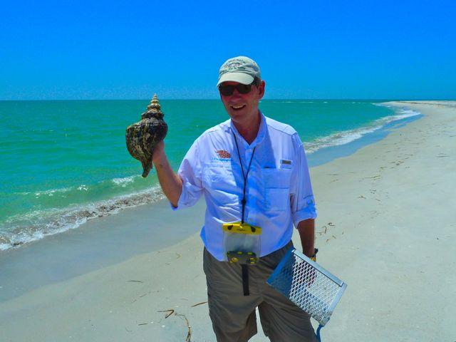 Super Sheller Clark Found A Huge Seashell