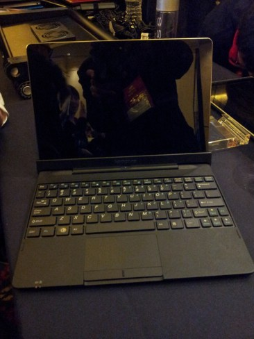 LIVE CES 2012 : Une nouvelle Tablette Lenovo IdeaTab S2 3