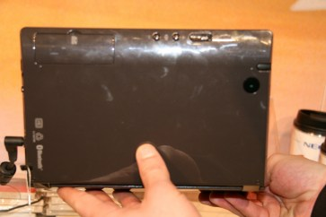 CES 2012 : Tablette NEC LifeTouch W dual screen 4