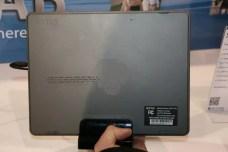 CES 2012 : Tablette Skytex SkyTab X series sous Windows 8 5