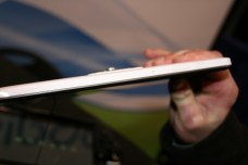 WikiPad : la tablette tactile 3D sans lunettes sous Android ICS en images et vidéo au CES 6