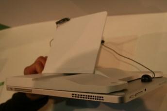 Acer Iconia Tab W700 : une tablette au design surprenant sous Windows 8 21