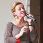 Vandaag trad Mariska van Kolck voor de bewoners van De Meander in Nieuwerkerk aan den IJssel.